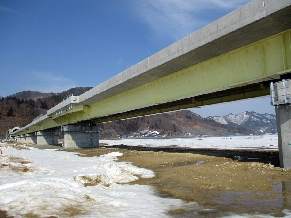 東北中央自動車道 白竜大橋